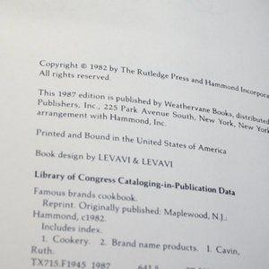 Vintage Kitchen - Vintage 81-82 Name brands cook books lot